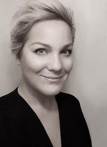 Julie BÉgin Stage Motion Makeup